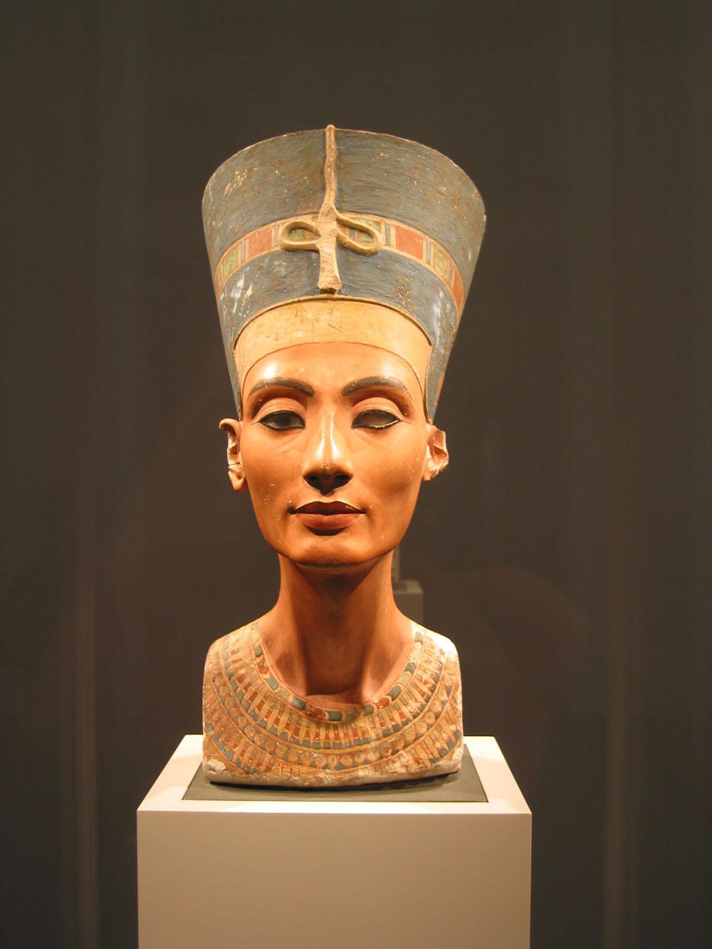 Nefertiti_Magnus_Manske