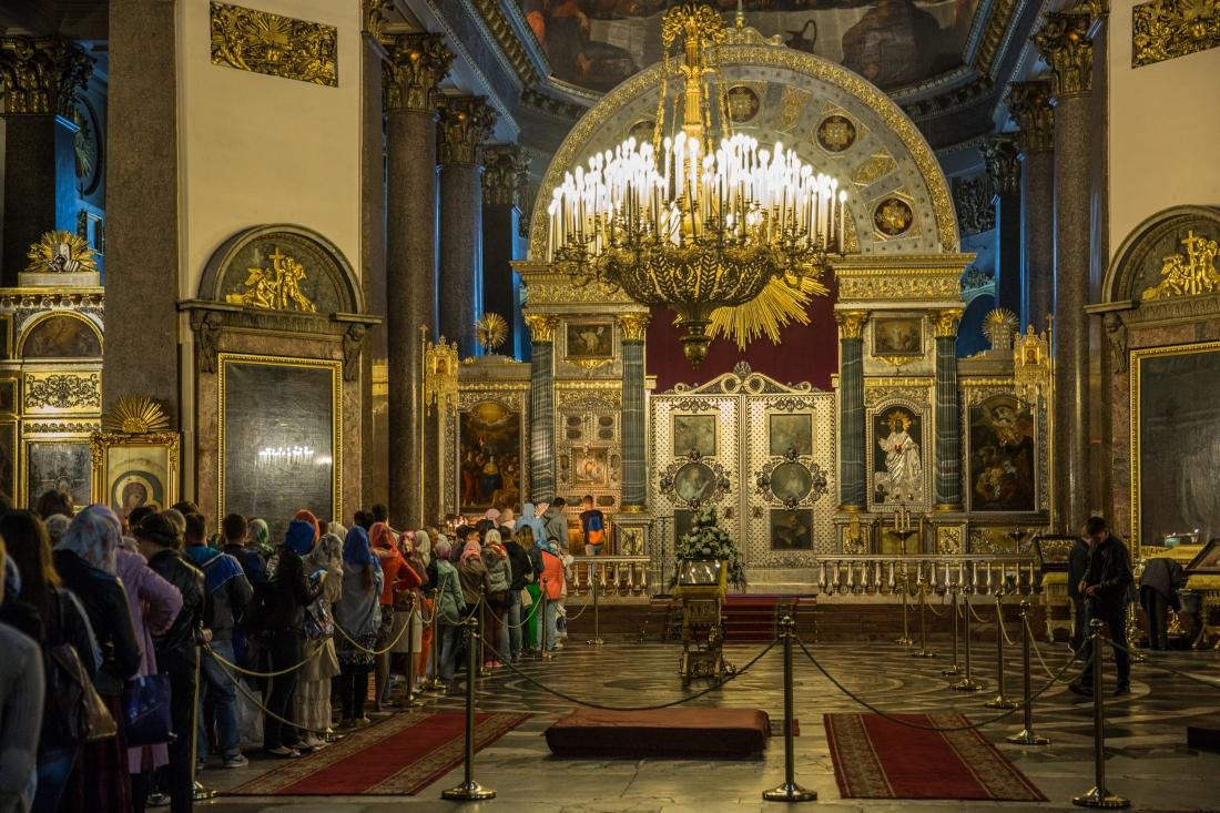 Kazan_Cathedral,_Saint_Petersburg,_Russia_02.jpg