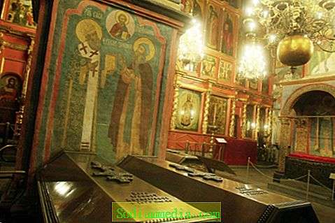 arhangelskij-sobor-moskovskogo-kremlya-opisanie-istoriya-i-interesnie-fakti-4