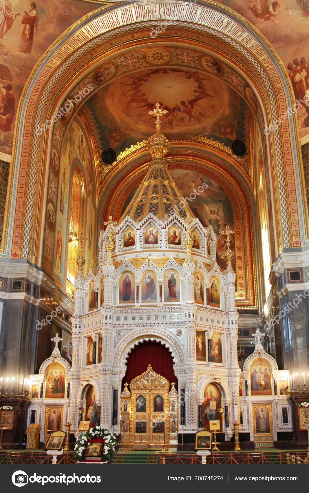 depositphotos_208748274-stock-photo-cathedral-russian-orthodox-church-interior.jpg